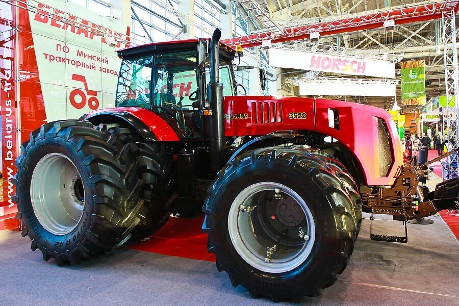 На выставке China International Agriculture Machinery-2020 был представлен новый BELARUS-3523