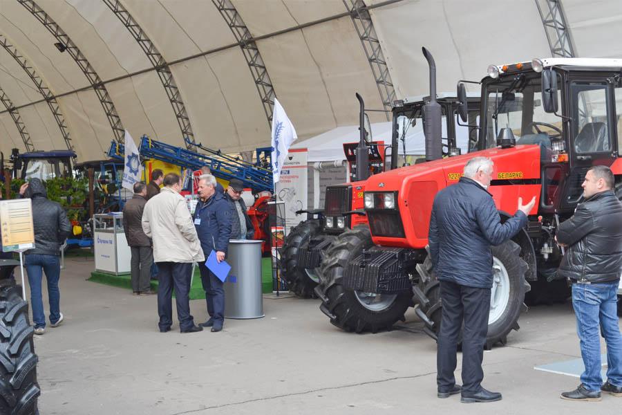 Беларусь - belarus-tractor.com